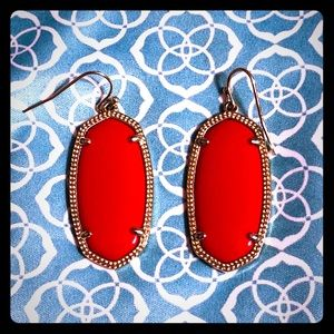 Elle Gold Earrings In Red